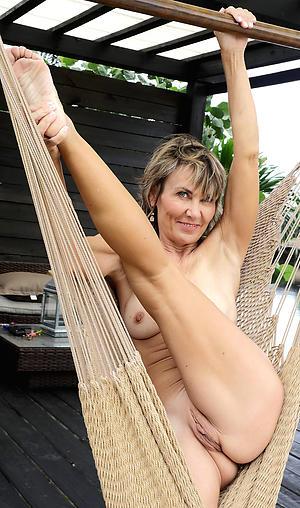sexy older women legs porn pics