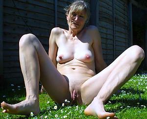 hot granny bare out of pocket porn pics