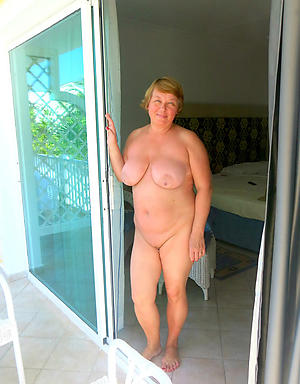 hot open-air old women stripping