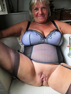 XXX granny in underwear amateur free pics