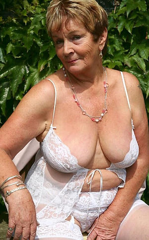 amateur X-rated granny everywhere lingerie easy porn pics