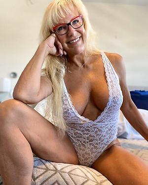 amateur sexy older women in lingerie xxx pics