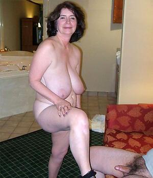 older brunette milf hot porn pic