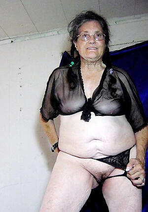venerable brunette pussy pic