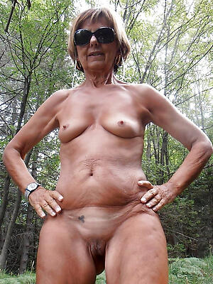age-old granny shaved pussy posing nude