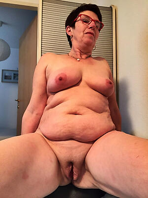 easy pics of sexy shaved pussy granny