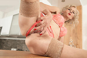 older blonde women hot porn glaze