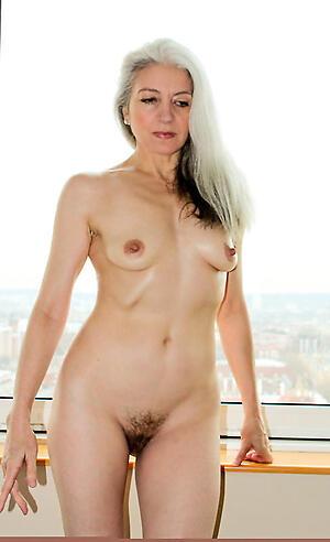 pulchritudinous granny hot porn pic
