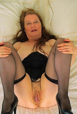 granny big cunt posing nude