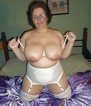 bosomy older babes porn pics