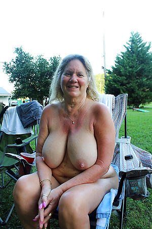 free pics of sexy oversexed busty granny
