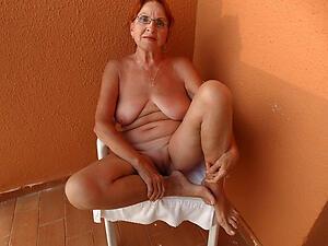 mature granny lady love posing defoliated