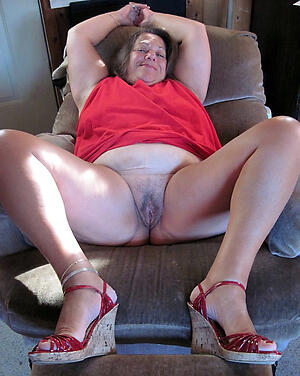 hot british amateur granny stripping