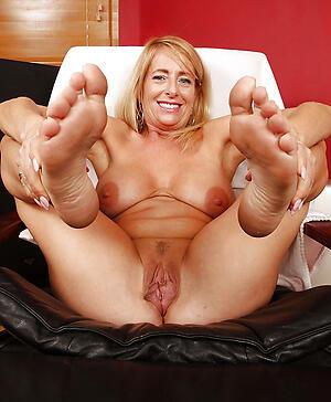 hot granny feet gallery