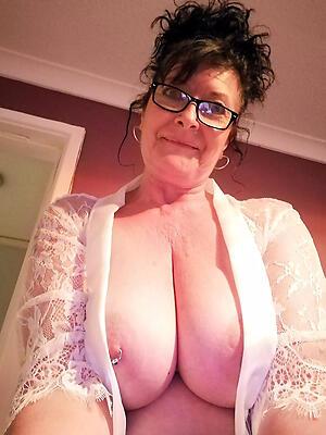 unrestricted downcast older murkiness women porn pics