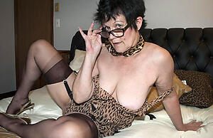 xxx pictures of sexy brunette granny
