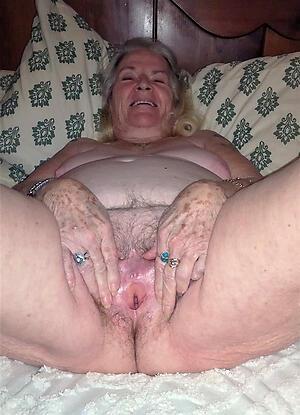 hot dispirited granny vulva stripping