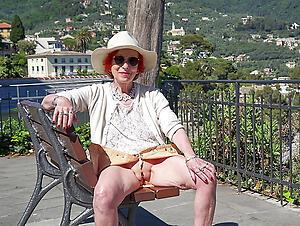 open-air grannies posing empty