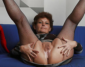 succulent granny twat love posing nude