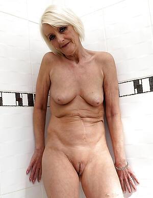 beautiful nude older women private pics