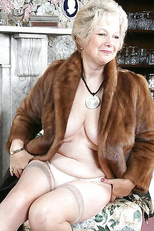 xxx pictures be proper of sexy naked old ladies