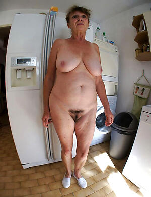 amateur nude older housewives love porn