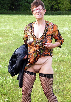 old granny upskirt freash pussy