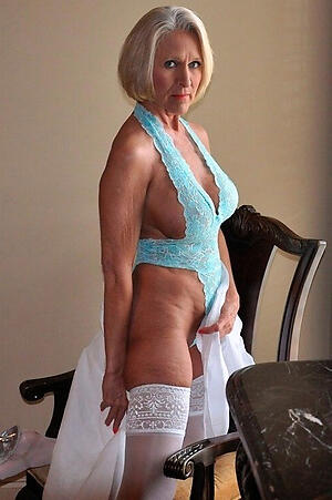 sexy granny in lingerie private pics