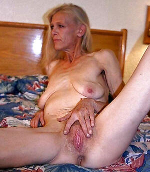 free pics be advantageous to older nude women