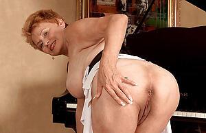 sexy cougar granny amateurish pics