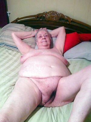 older xxx have a crush on posing nude
