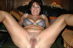 xxx pictures be required of older mom