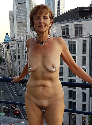 free pics of unconcealed grandmother granny