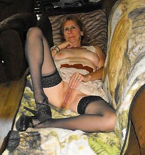 older spliced pussy posing nude