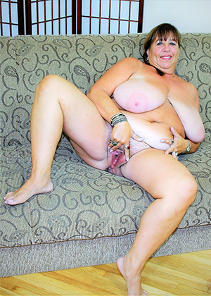 xxx pictures of fat granny pussy