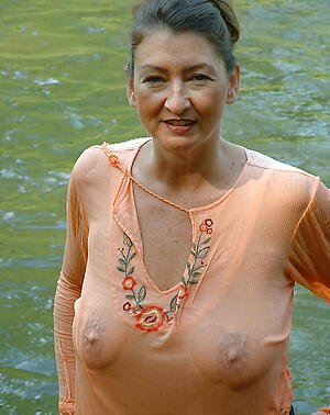 hot elder statesman lady tyro pics