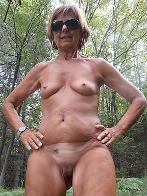 older nude wives hot porn pic