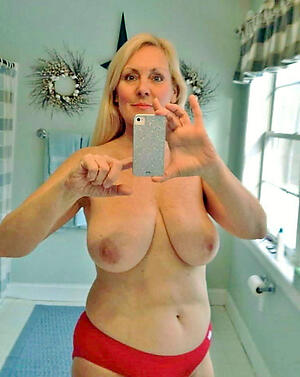 xxx pictures of unclad sexy grany selfshots