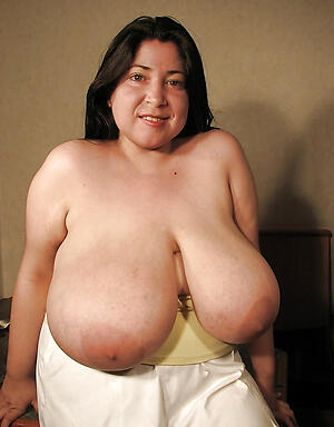 mature older tits love posing stark naked