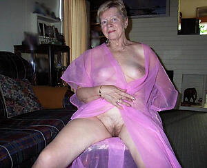 free pics of sultry older housewives